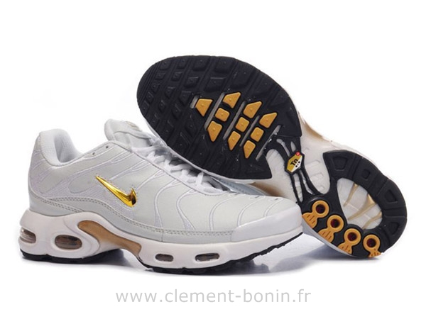 femme nike requin