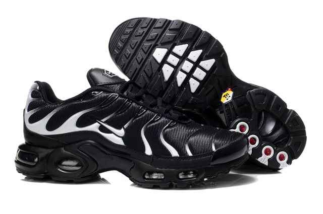 baskets hommes nike tn